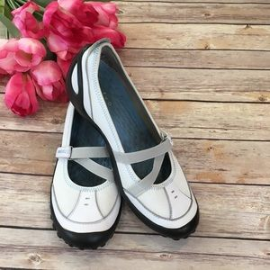 Privo by Clarks Acacia White Shoes Size 9